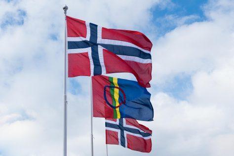 Norsk og samisk flagg