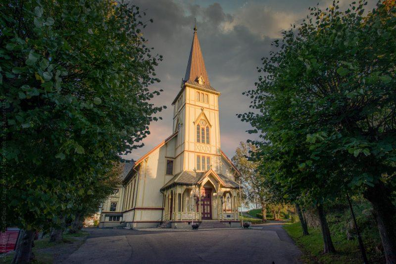 Solskinn på Grimstad kirke
