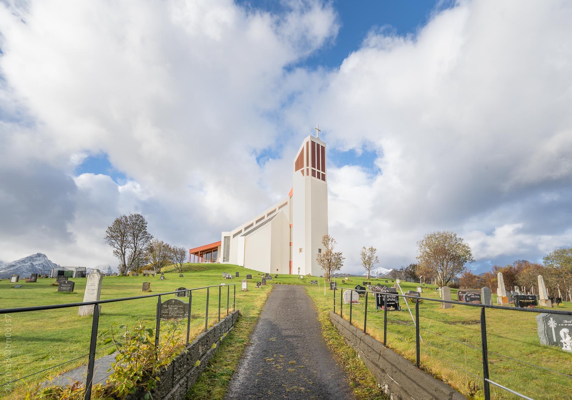 20181006-00518-CopyrightRobinLund-Borge-kirke-i-Lofoten