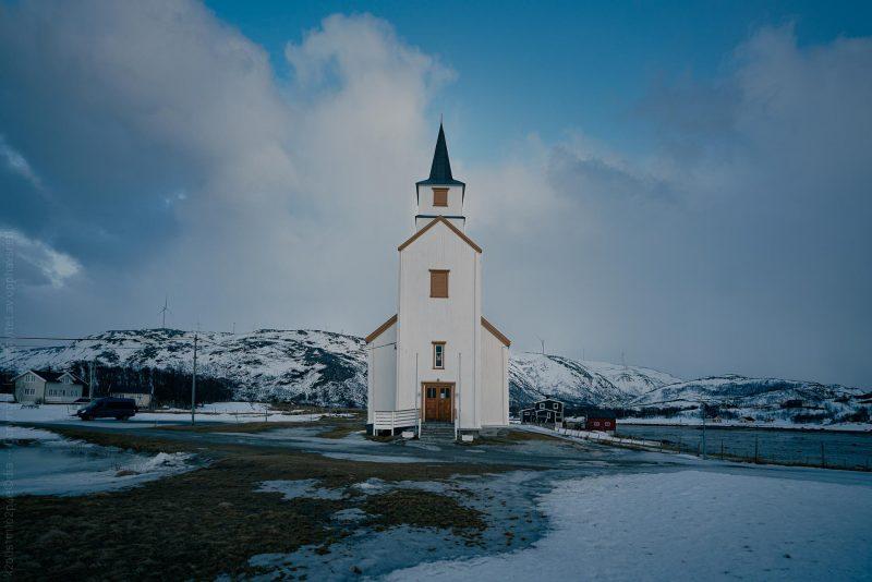 Hillesøy kirke, Troms