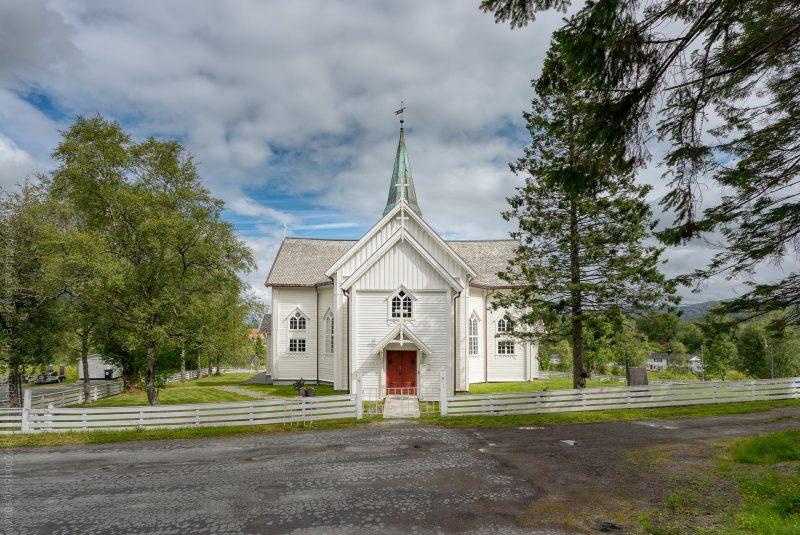 Leirfjord kirke