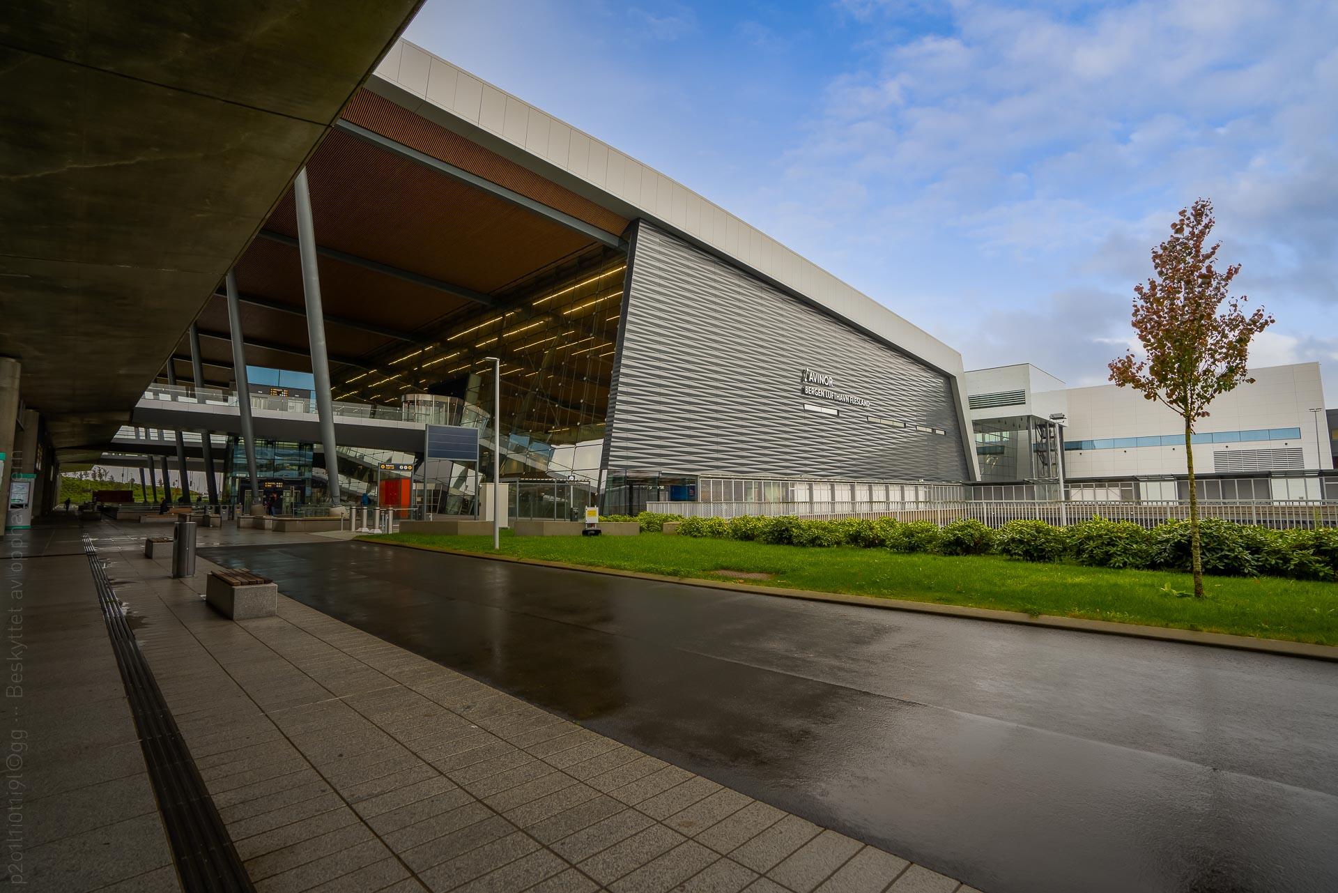 Bergen lufthavn, Flesland